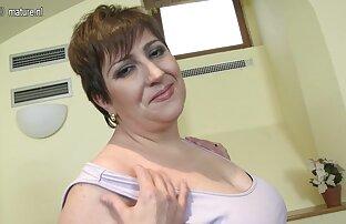Dai capelli castani Cazzo filmati amatoriali donne mature duro