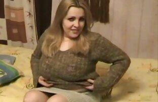Cazzo sesso amatoriale di donne mature Cassandra e Misha Brooks con il loro patrigno prima
