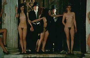 Bello, video italiani amatoriali gratis vestito, corsetto nero